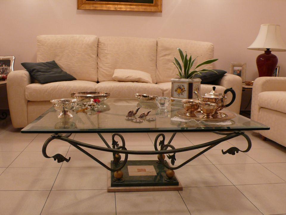 Basi per tavolini da salotto nc21 regardsdefemmes - Tavolo ferro battuto e vetro ...