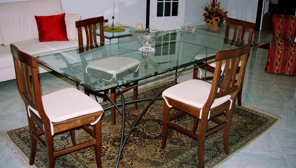 Arredamento in ferro ferro battuto acciaio inox e vetro - Tavoli da pranzo ferro battuto e vetro ...