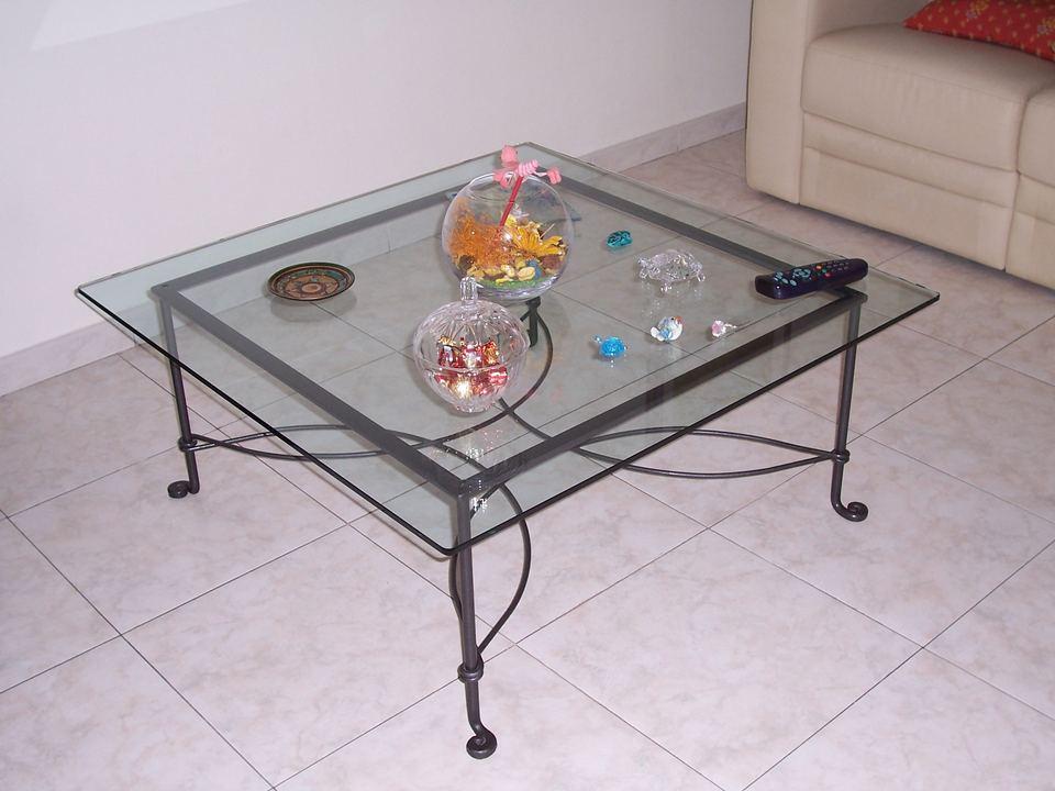Tavolini in vetro e ferro battuto tavolino comodino ferro - Tavolini vetro e ottone ...